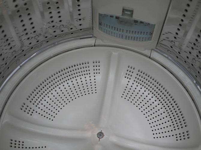 オキシクリーンする前の縦型洗濯槽