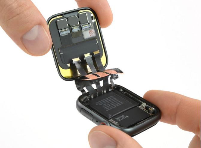 iFixitによるバッテリー分解