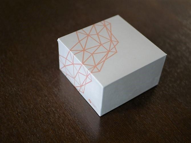 STYLEPIEのダイヤモンド型のハンドウォーマー外箱