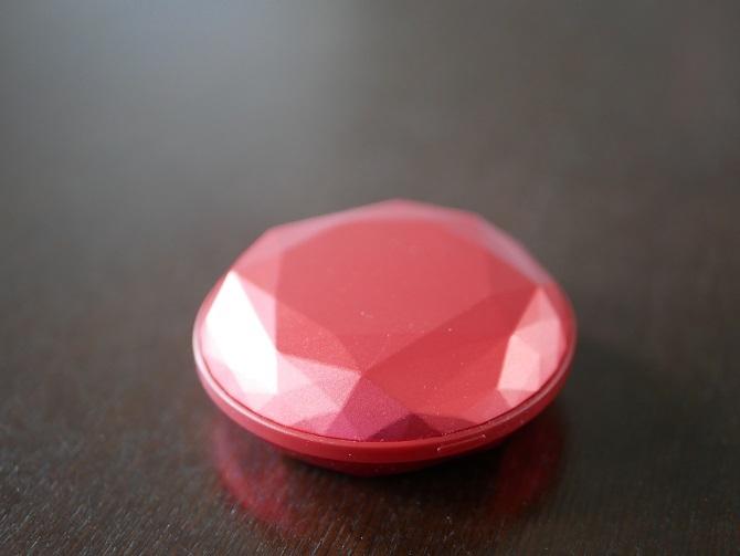 赤いSTYLEPIEのダイヤモンド型のハンドウォーマー
